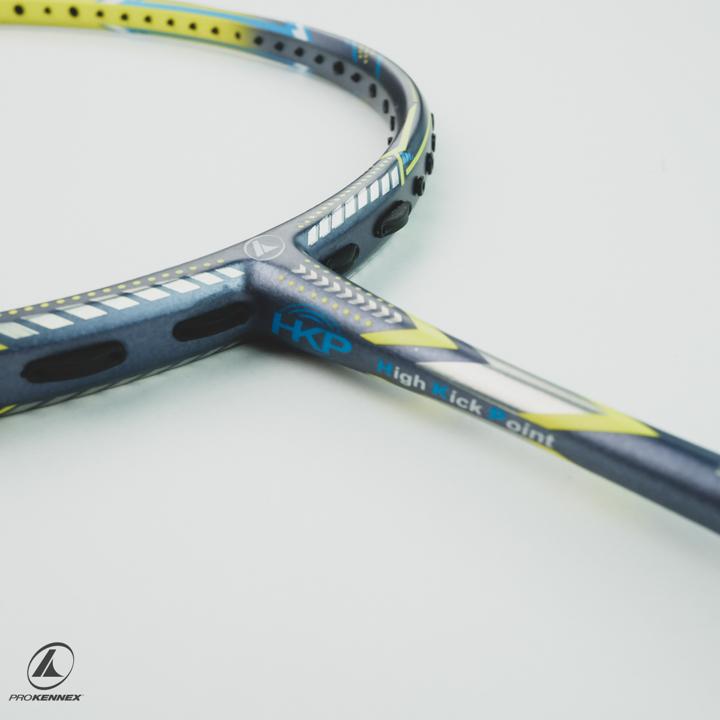 Vợt cầu lông là sản phẩm không thể thiếu trong bộ môn cầu lông.